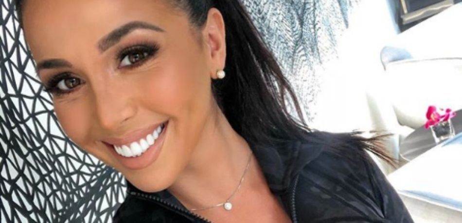 Ainsley Rodriguez Shows Off Abs In Gray Sports Bra For HIIT Full-Body Workout Video